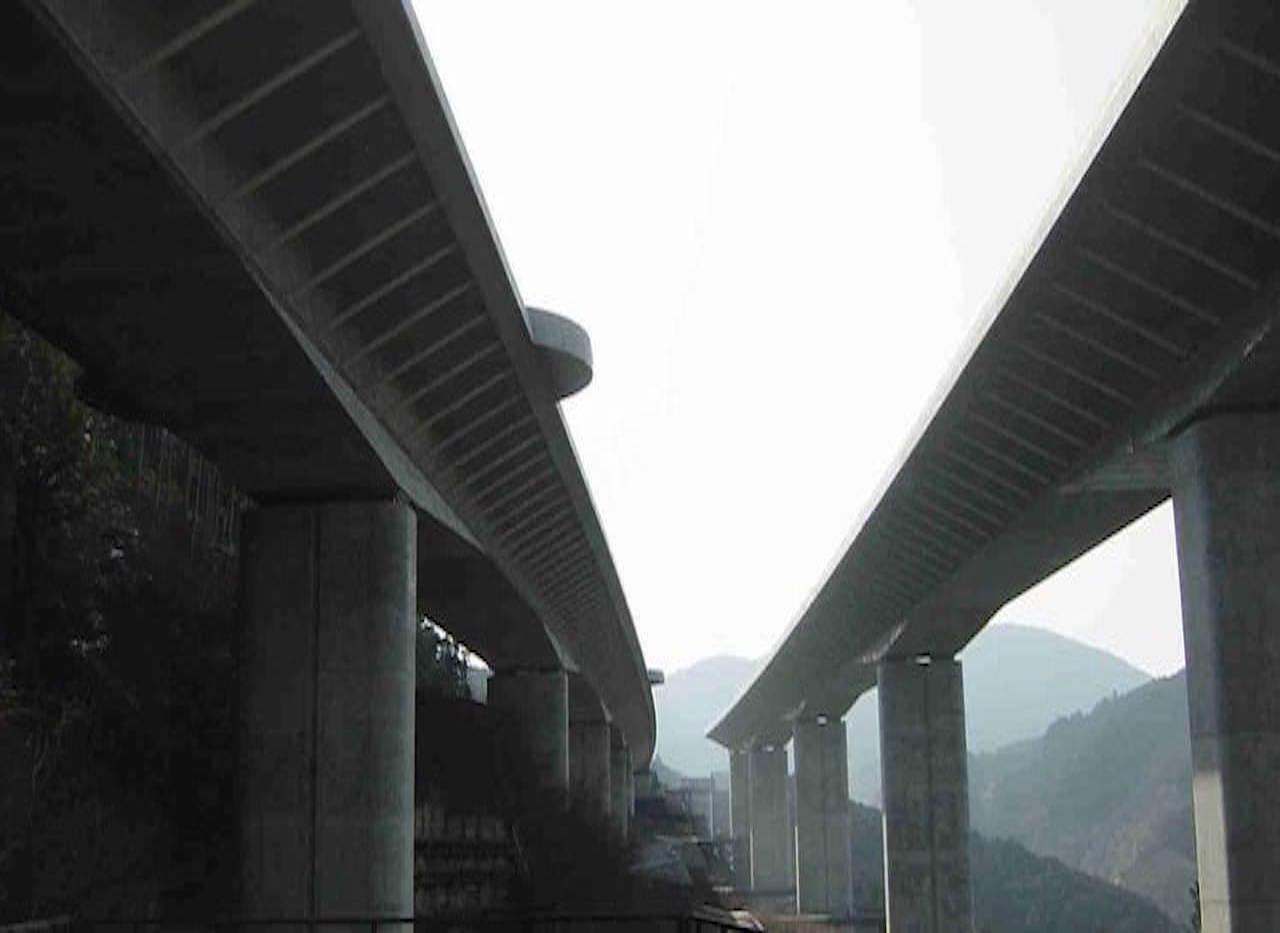 宍原第一高架橋 7径間連続箱桁橋