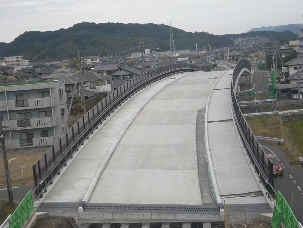 錦原跨線橋